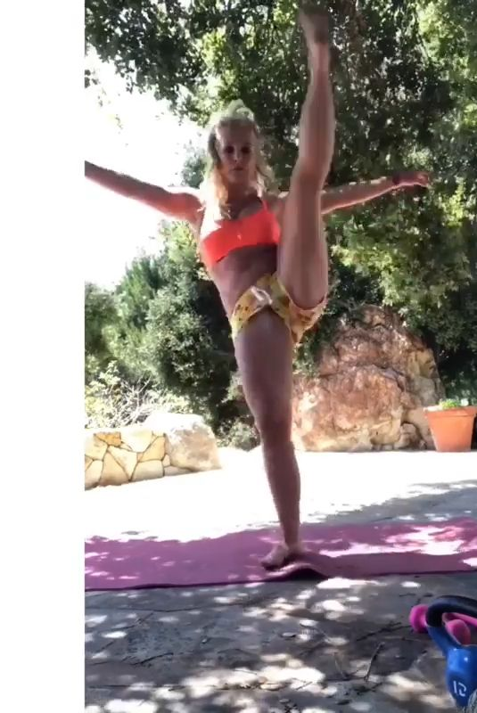 BRITNEY SPEARS - Workout 06/17/2019 Instagram Video and Pictures