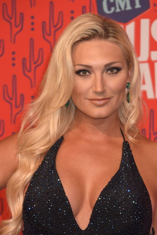 BROOKE HOGAN at 2019 CMT Music Awards in Nashville 06/05/2019