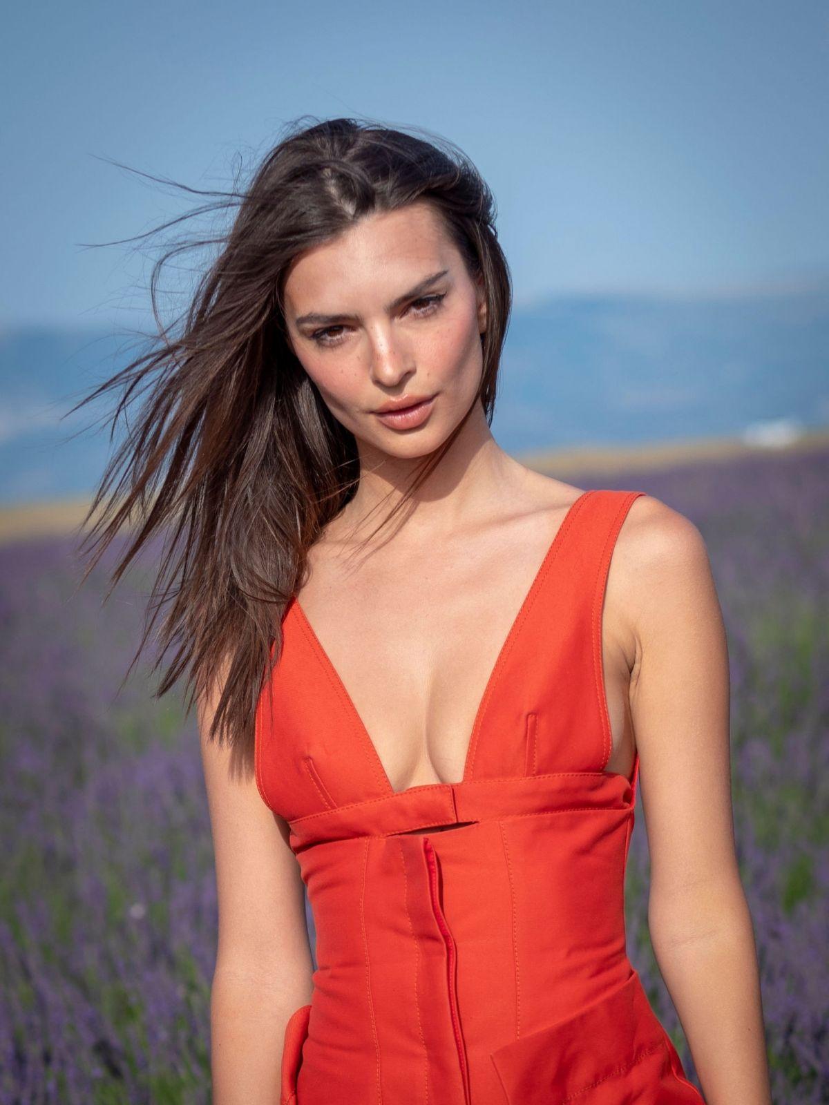 EMILY RATAJKOWSKI at Jacquemus Spring/Summer 2020 Fashion Show in Valensole 06/24/2019 - HawtCelebs