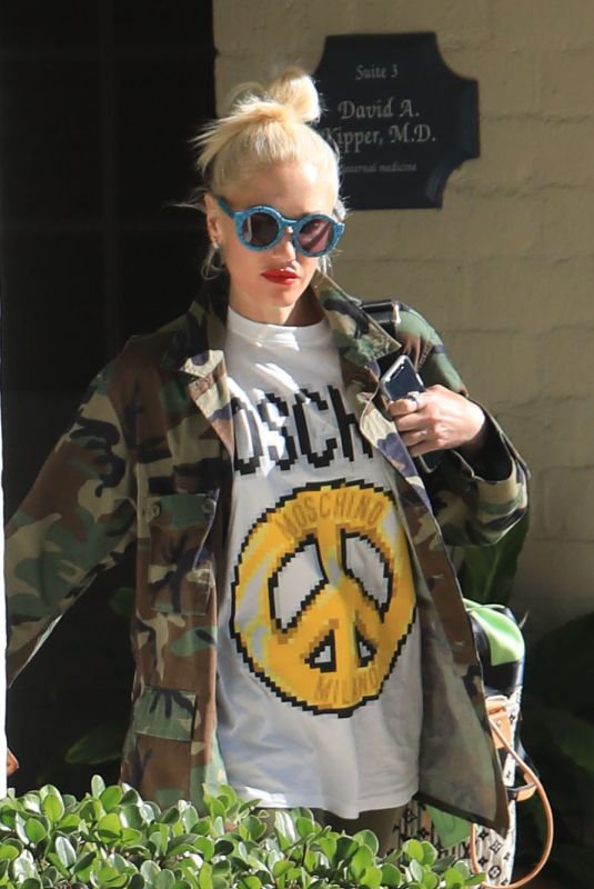 GWEN STEFANI Out and About in Beverly Hills 06/08/2019