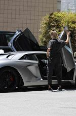 HAILEY and Justin BIEBER Out in Los Angeles 06/08/2019