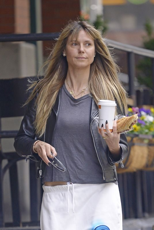 HEIDI KLUM with no Make-up Out for Breakfast in New York 06/03/2019