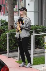 IGGY AZALE Out with Her Dog in Miami 06/09/2019