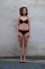 JANINA SCHIEDLOFSKY - Polaroids 2019