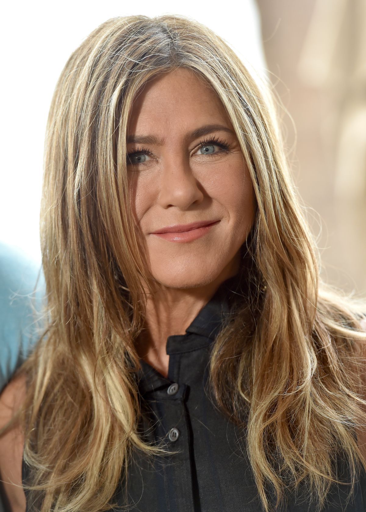 JENNIFER ANISTON at Murder Mystery Photocall in Los ...