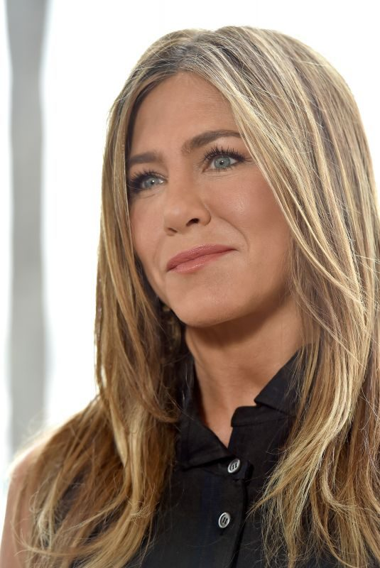 JENNIFER ANISTON at Murder Mystery Photocall in Los Angeles 06/11/2019