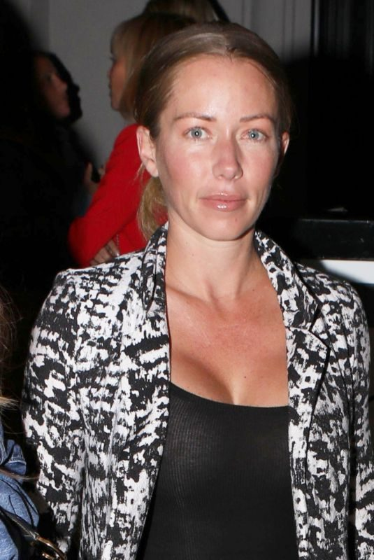 KENDRA WILKINSON at Craig's Restaurant in West Hollywood 06/18/2019