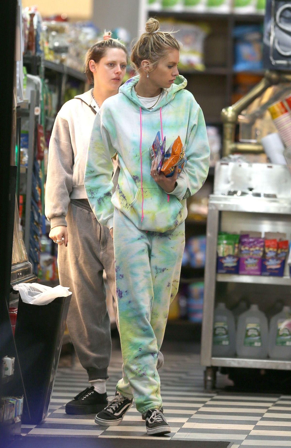 Kristen Stewart And Stella Maxwell Out Shopping In New