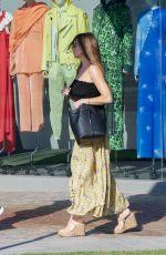 SOFIA VERGARA Shopping on Robertson Blvd in West Hollywood 06/19/2019
