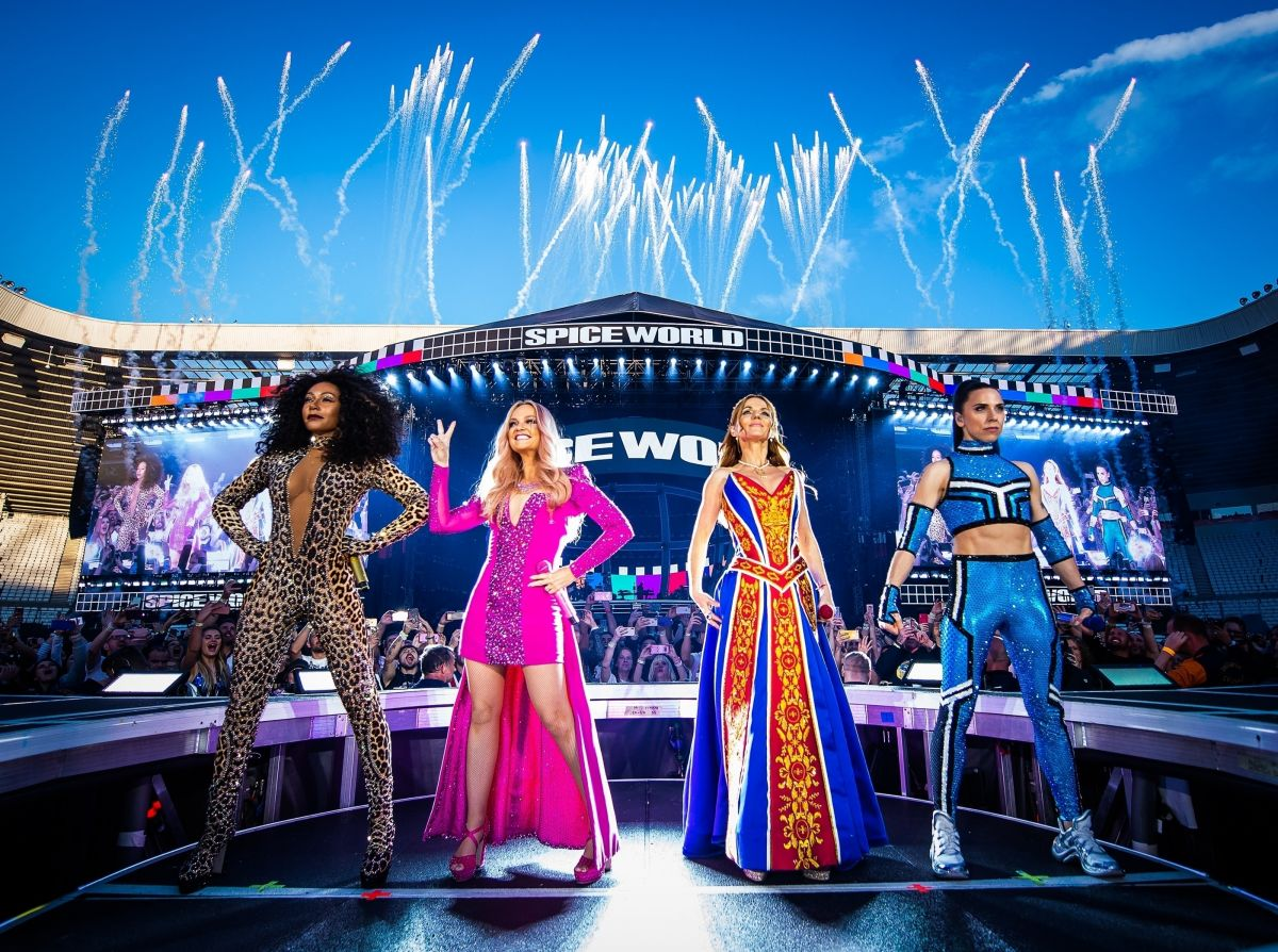 SPICE GIRLS Perform at Their Spice World Tour in Sunderland 06/08 ...