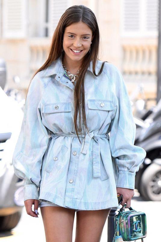 ADELE EXARCHOPOULOS Leaves Hotel La Reserve in Paris 07/02/2019