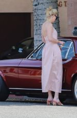 AMBER HEARD at a Gas Station in Los Angeles 07/09/2019