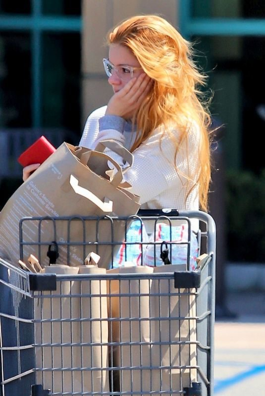 ARIEL WINTER Shopping at Gelson's Market in Los Angeles 07/12/2019