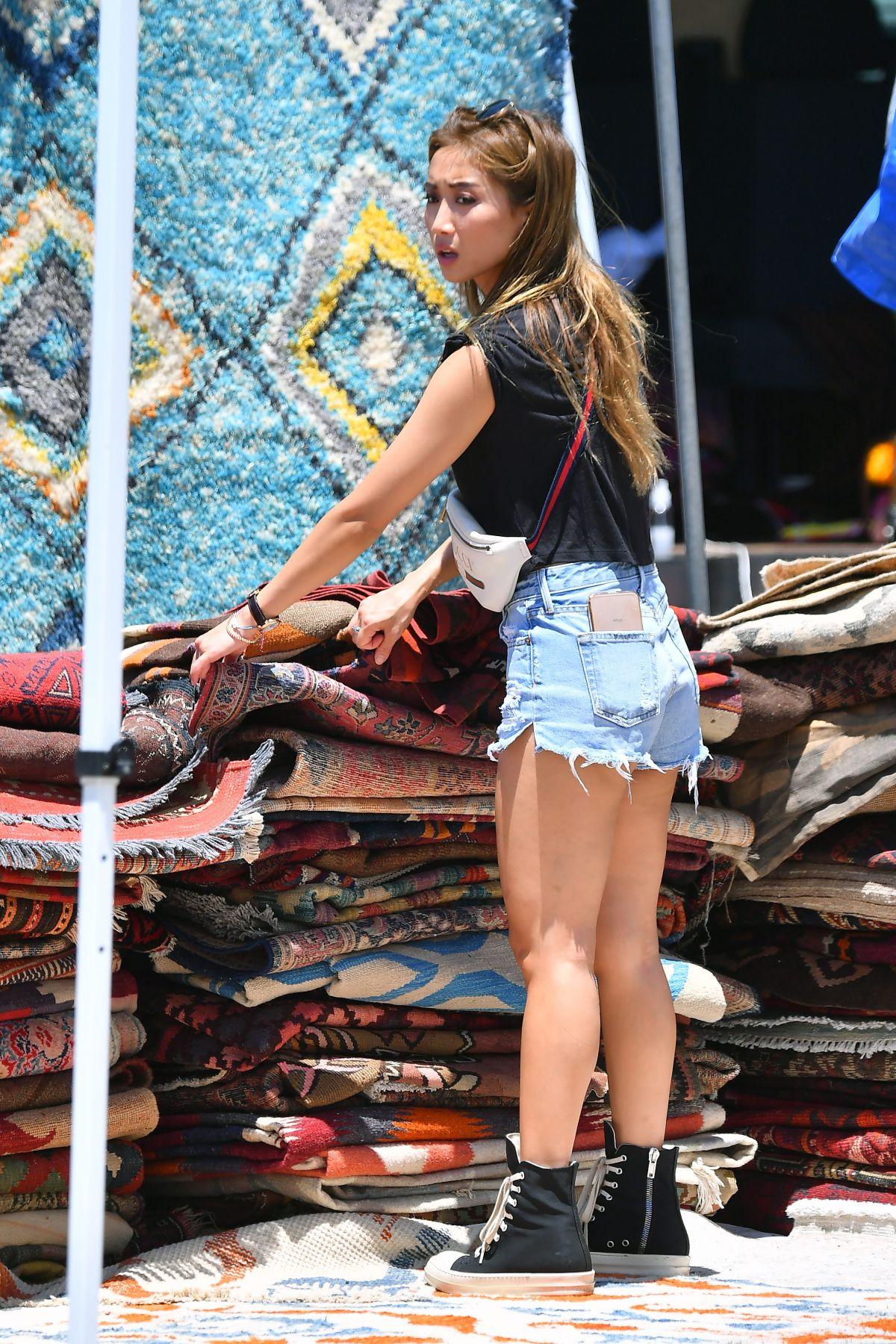 Brenda Song Shopping At Flea Market In Los Angeles 07 16