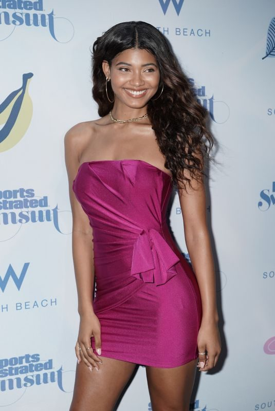 DANIELLE HERRINGTON at 2019 Sports Illustrated Swimsuit Show at Miami Swim Week 07/14/2019