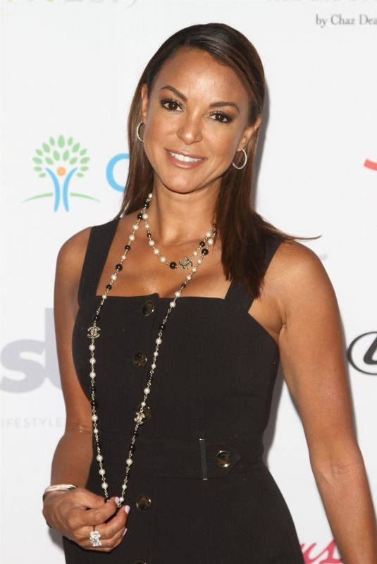 EVA LARUE at Hollyrod Foundation's 21st Annual Designcare Gala in Malibu 07/27/2019