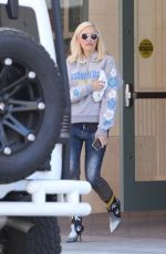 GWEN STEFANI Out and About in Beverly Hills 06/29/2019