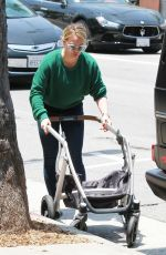 HILARY DUFF Sshopping at Barnes & Noble in Studio City 07/05/2019