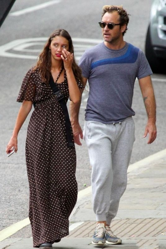 IRIS and Jude LAW Out for Lunch in London 07/14/2019