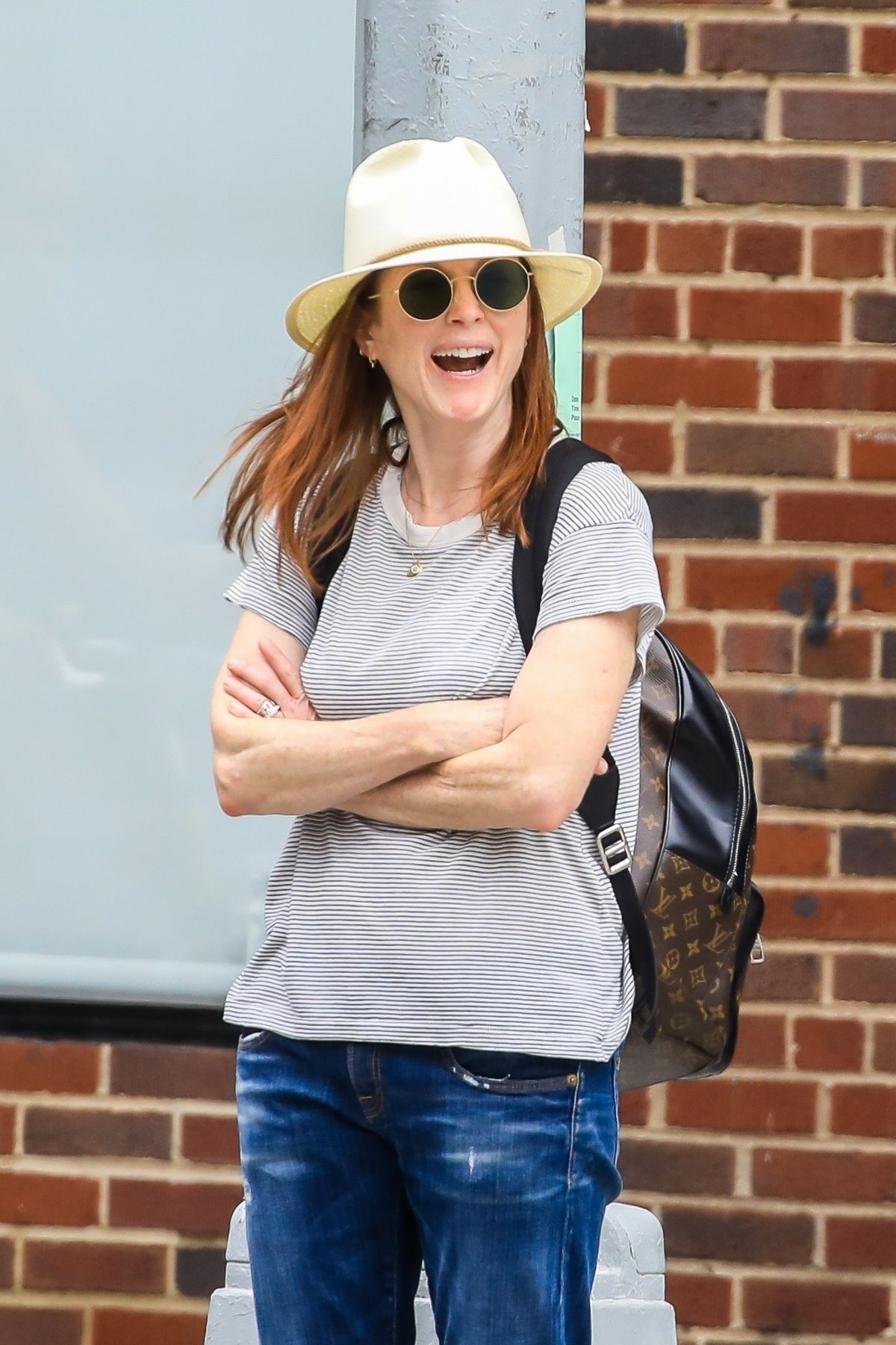 Julianne Moore Out And About In New York 07 13 2019 Hawtcelebs