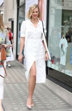 KARLIE KLOSS Arrives at Vogue August Issue Live Signing in London 07/17/2019