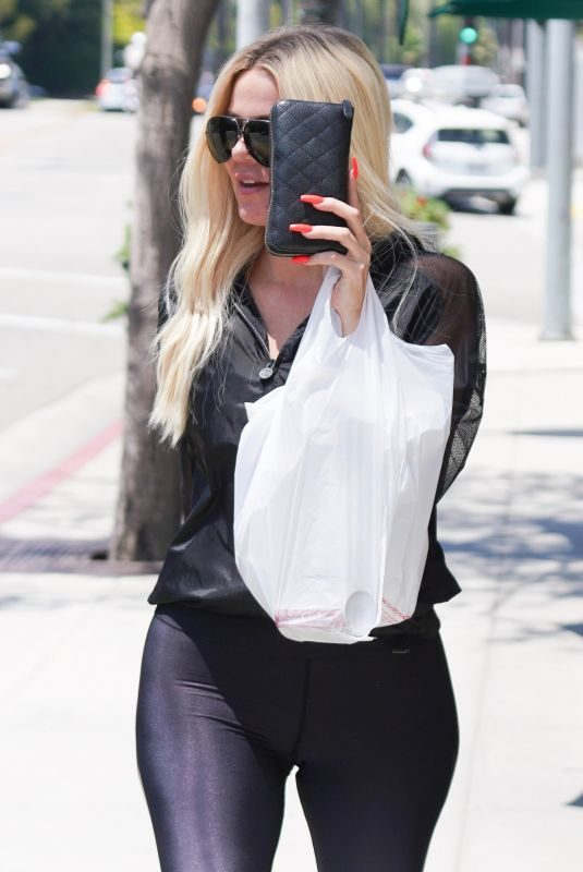 KHLOE KARDASHIAN Out Shopping in Beverly Hills 07/23/2019
