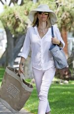 LORI LOUGHLIN Shopping at Bristol Farms in Los Angeles 07/15/2019