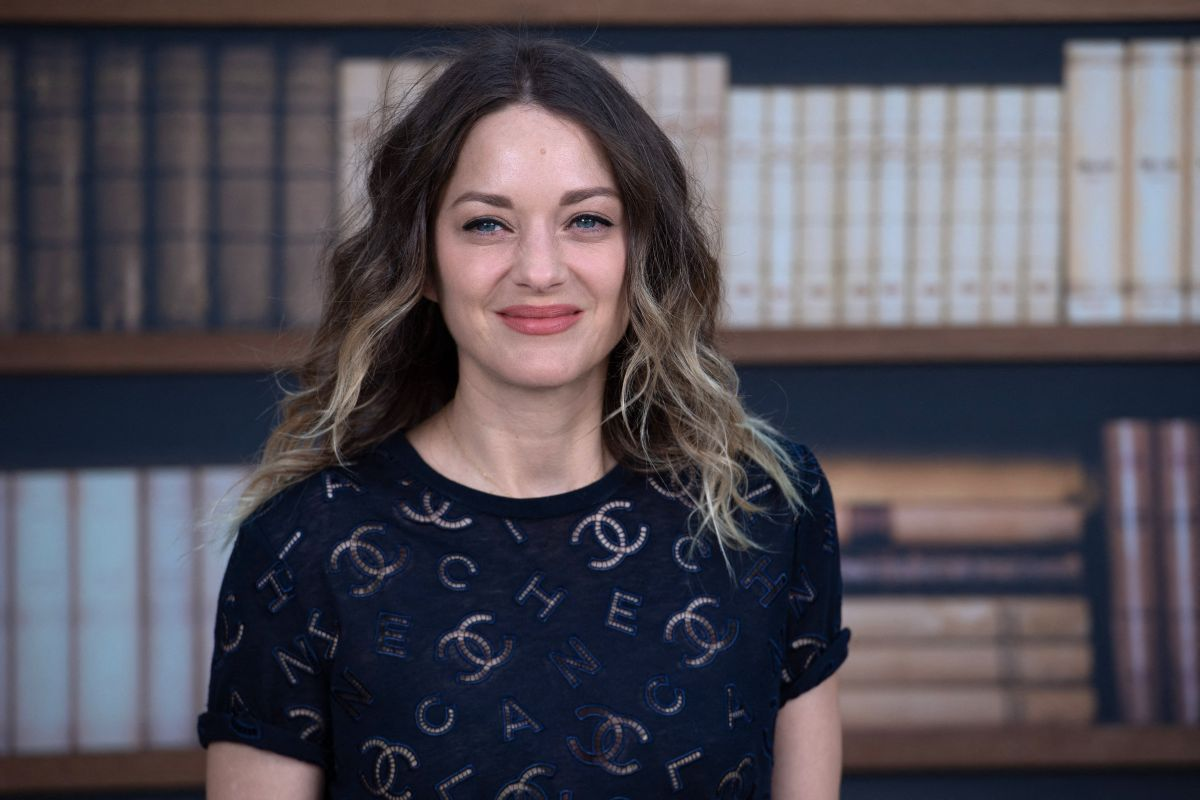 Marion Cotillard At Chanel Haute Couture Fall Winter 2019 20 Show