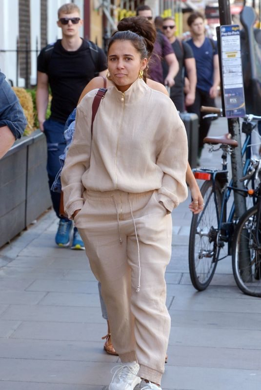 NAOMI SCOTT Out for Lunch in London 06/27/2019