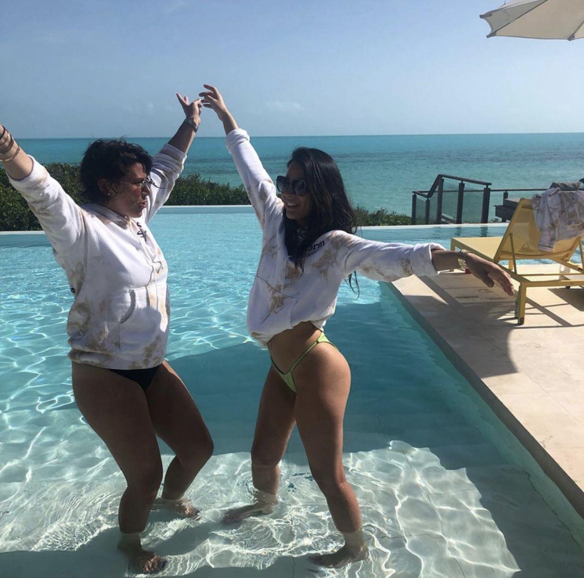 Nude Pix Carmella bing shyla stylez threesome