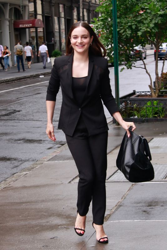 AISLING FRANCIOSI Arrives at Build Series in New York 08/07/2019