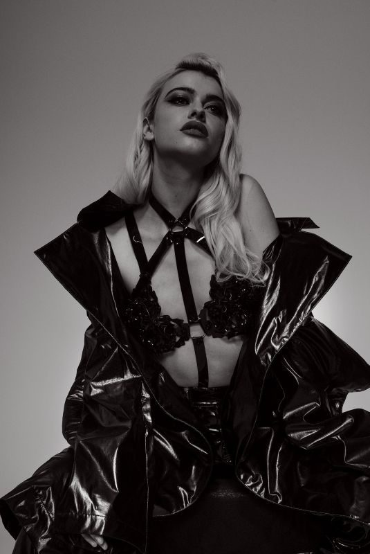 ALICE CHATER for Oddity Magazine, 2019
