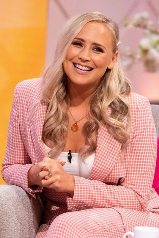 AMY WALSH at Lorraine Show in London 08/01/2019