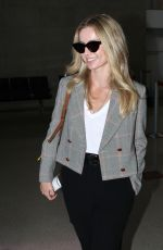 ANNABELLE WALLIS at Los Angeles International Airport 08/27/2019