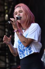 BEA MILLER Performs at Lollapalooza in Chicago 08/03/2019