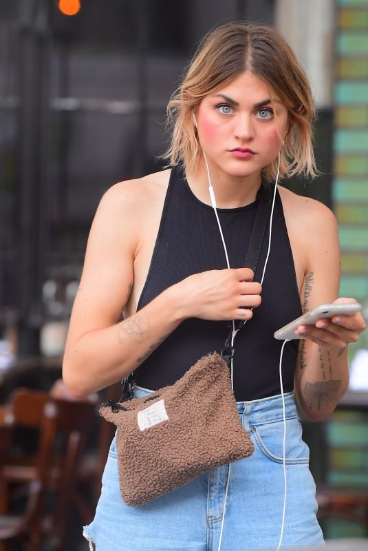 FRANCES BEAN COBAIN Out and About in New York 08/04/2019