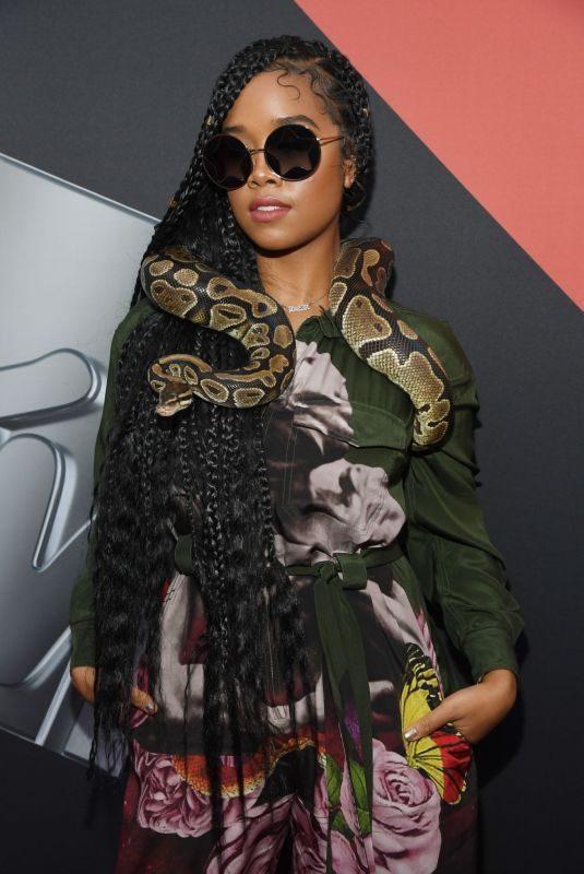 H.E.R. at 2019 MTV Video Music Awards in Newark 08/26/2019