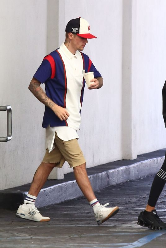 HAILEY and Justin BIEBER Out in Beverly Hills 08/19/2019