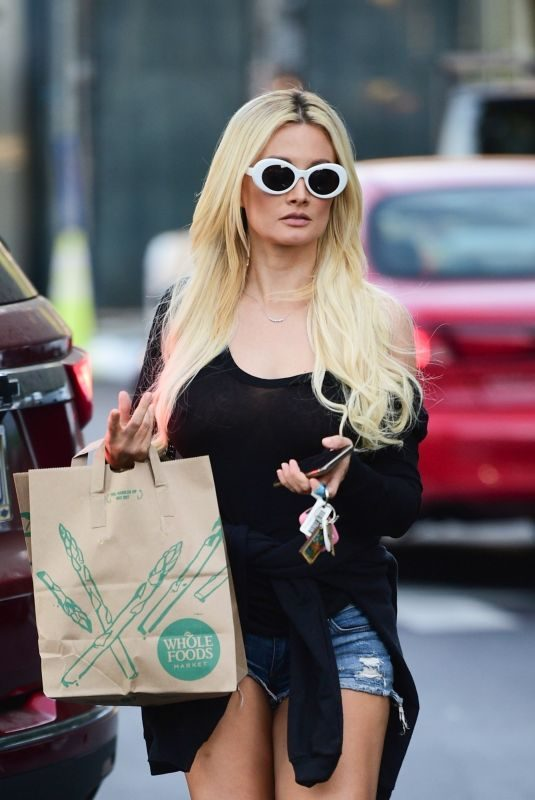 HOLLY MADISON Out and About in Los Angeles 07/29/2019