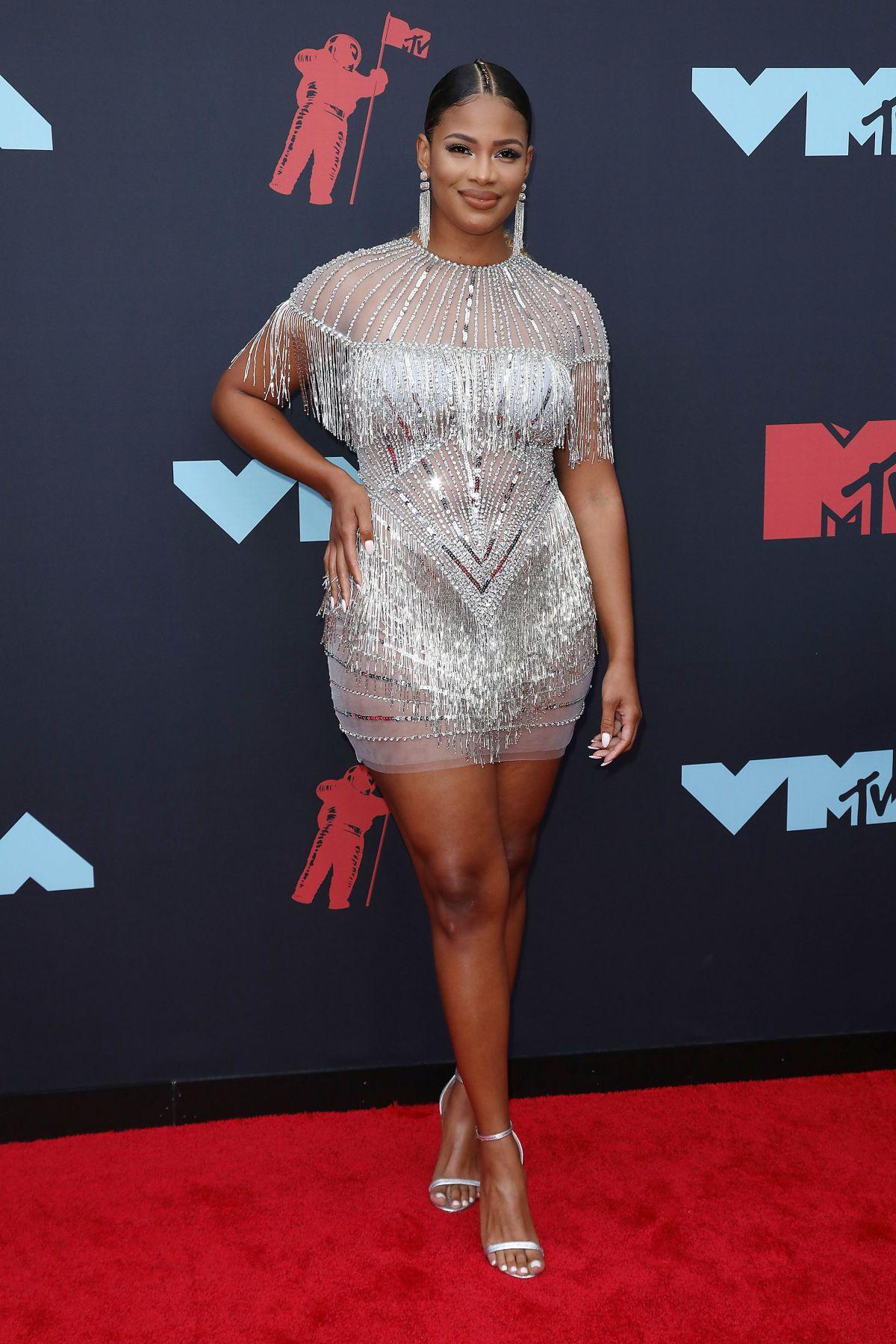 KAMIE CRAWFORD at 2019 MTV Video Music Awards in Newark 08 ...