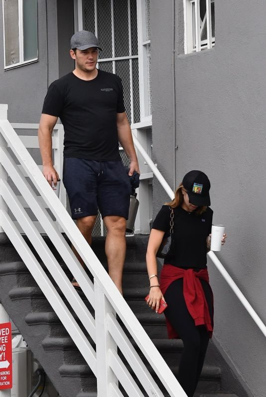 KATHERINE SCHWARZENEGGER and Chris Pratt Heading to Yoga Class in Santa Monica 08/14/2019