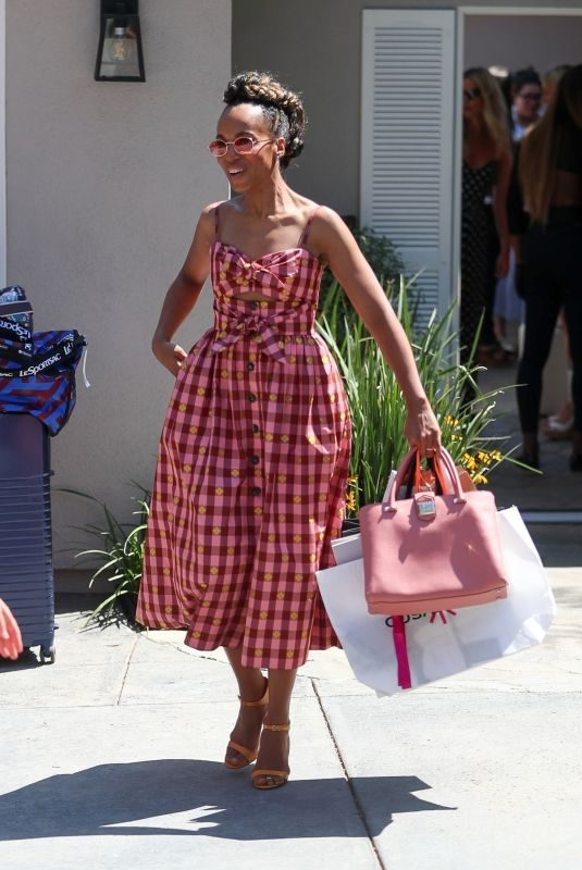 KERRY WASHINGTON Leaves Instyle Day of Indulgence Party in Brentwood 08/11/2019