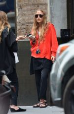 MARY-KATE and ASHLEY OLSEN Out Smoking in New York 08/06/2019