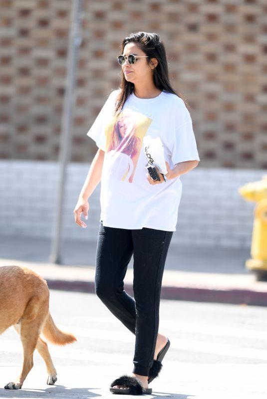 Pregnant SHAY MITCHEL Out for Breakfast in Los Feliz 08/17/2019