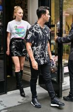 SOPHIE TURNER and Joe Jonas Heading to a Broadway Musical in New York 07/31/2019