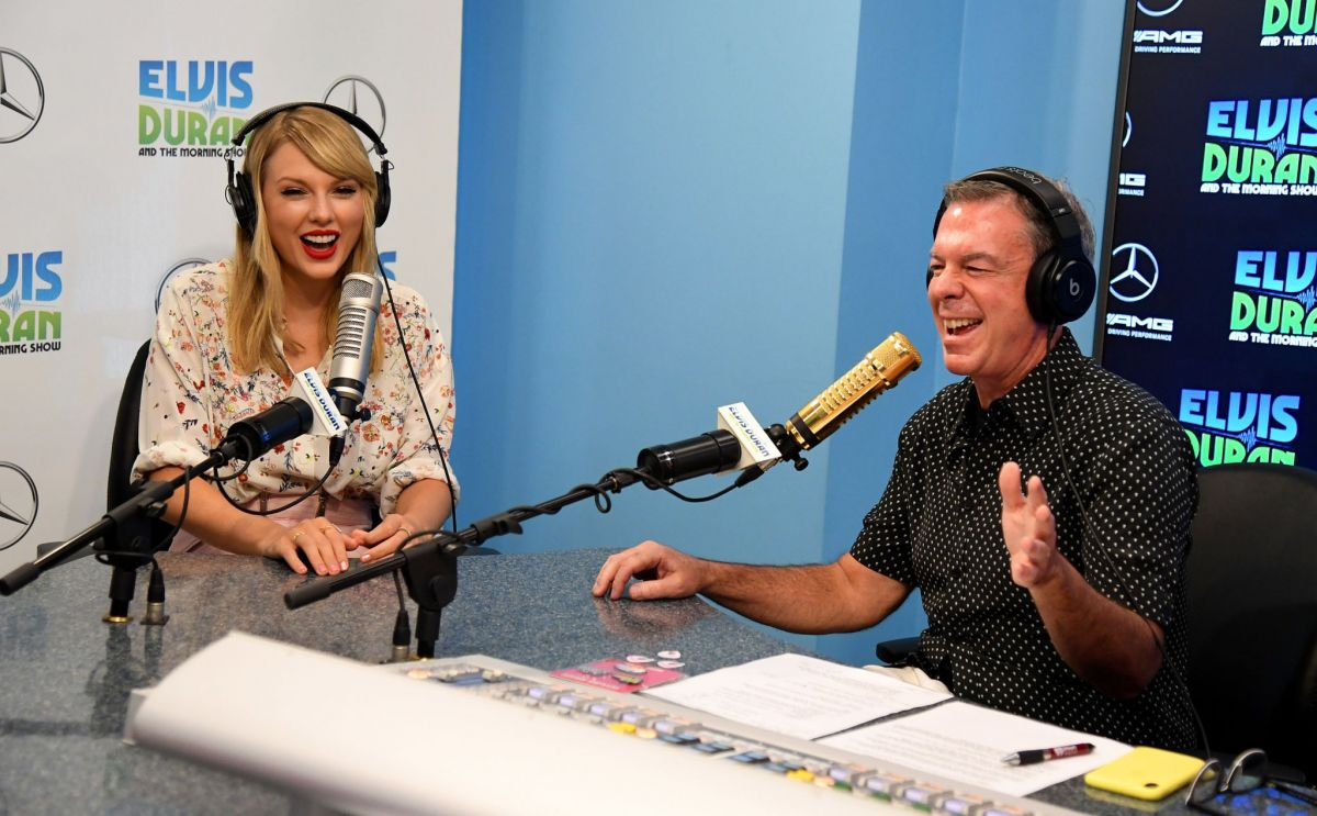 TAYLOR SWIFT at Elvis Duran Z100 Morning Show in New York 08