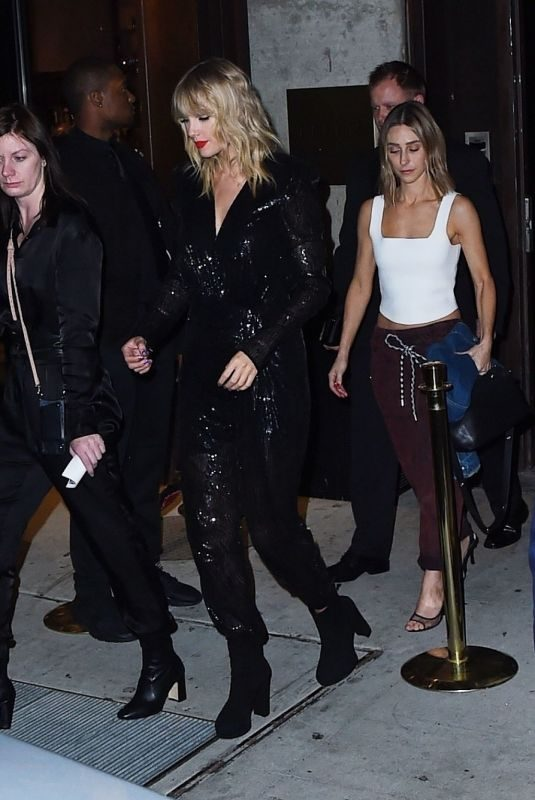 TAYLOR SWIFT Leaves MTV VMA After-party in New York 08/26/2019