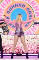 TAYLOR SWIFT Performs at Good Morning America at in New York 08/22/2019