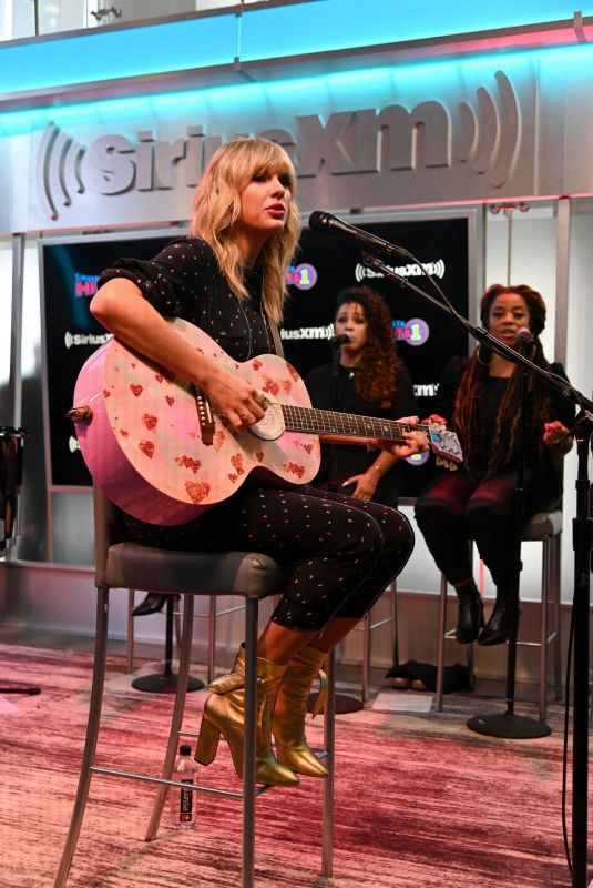 TAYLOR SWIFT Performs at Her SiriusXM