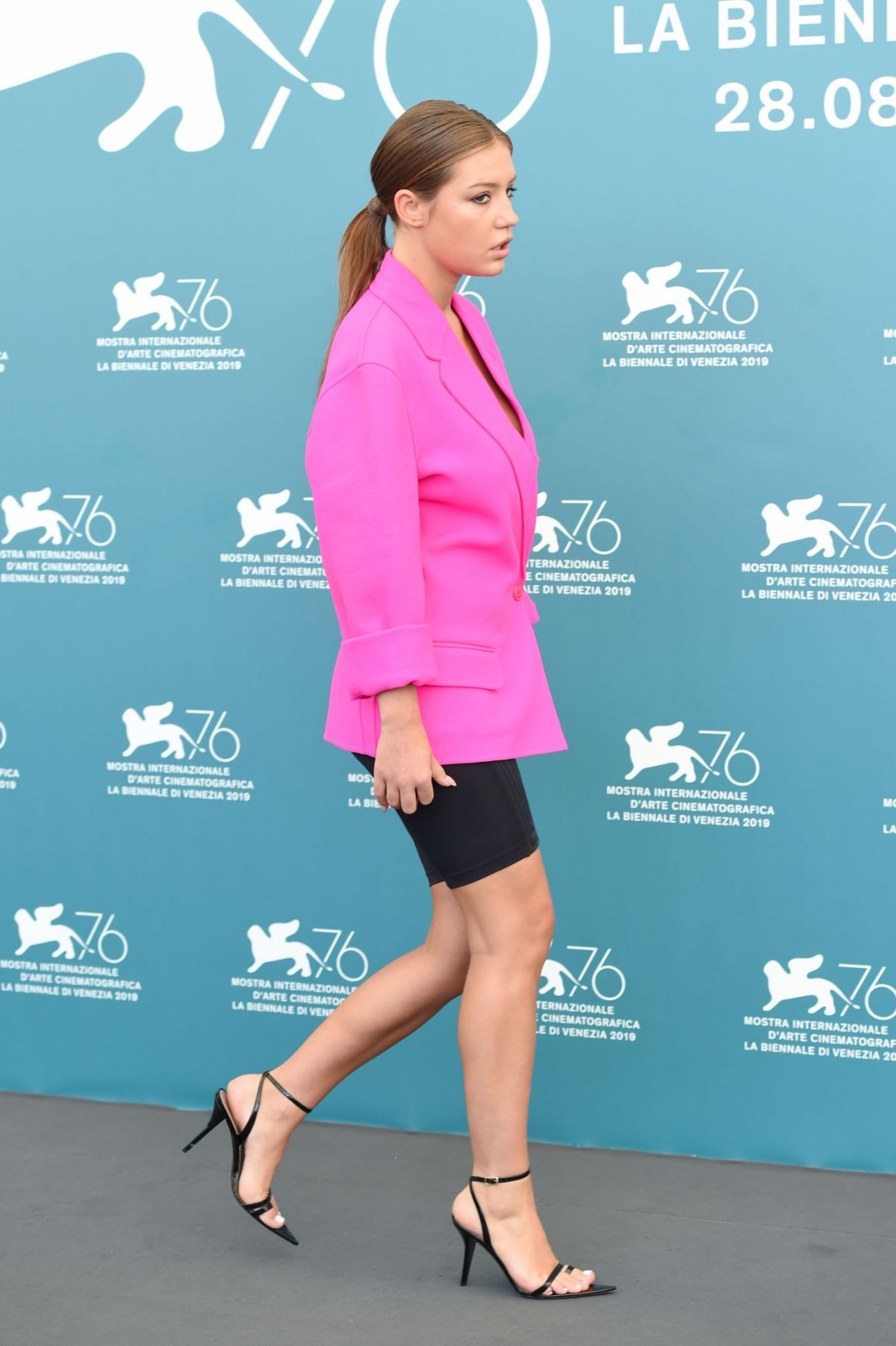 Permalink to Adele Exarchopoulos At Back Home Photocall At Venice Film Festival